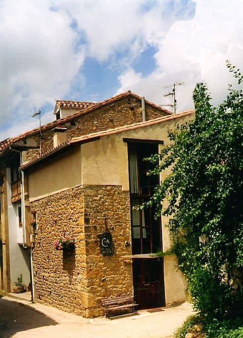 En pareja en el Oriente de Asturias - Haus