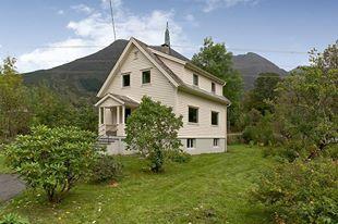Rosendal ved Hardangerfjorden.