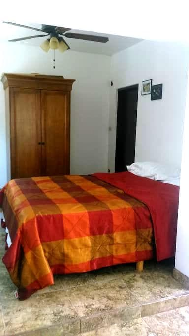 Department with private entry and kitchen. WI FI. - Ensenada - Apartment