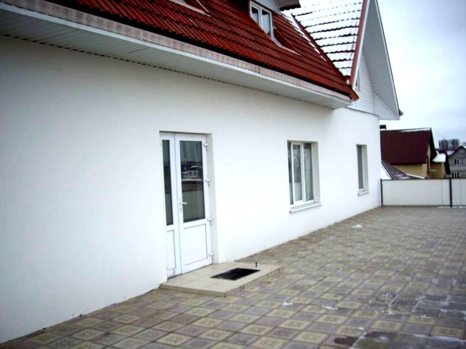 Посуточная аренда коттеджа в Старом Осколе - Staryy Oskol
