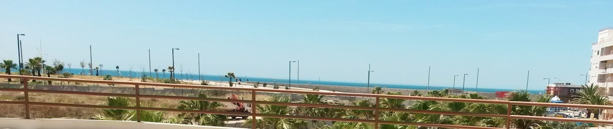 BEACH APARTMENT BY THE SEA