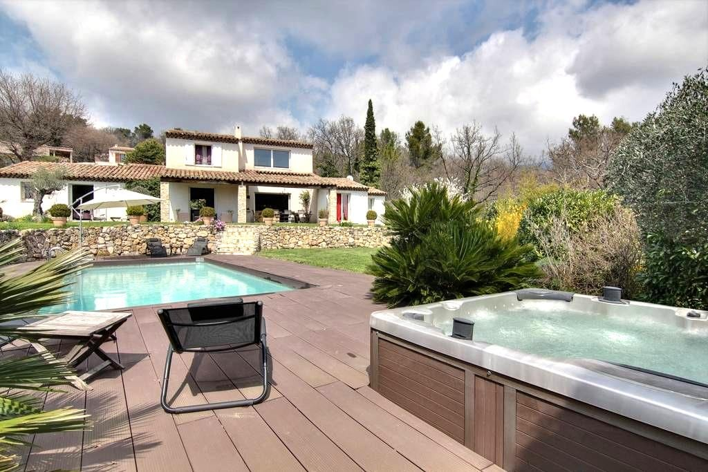 Superb villa near Cannes, sea view - Cabris