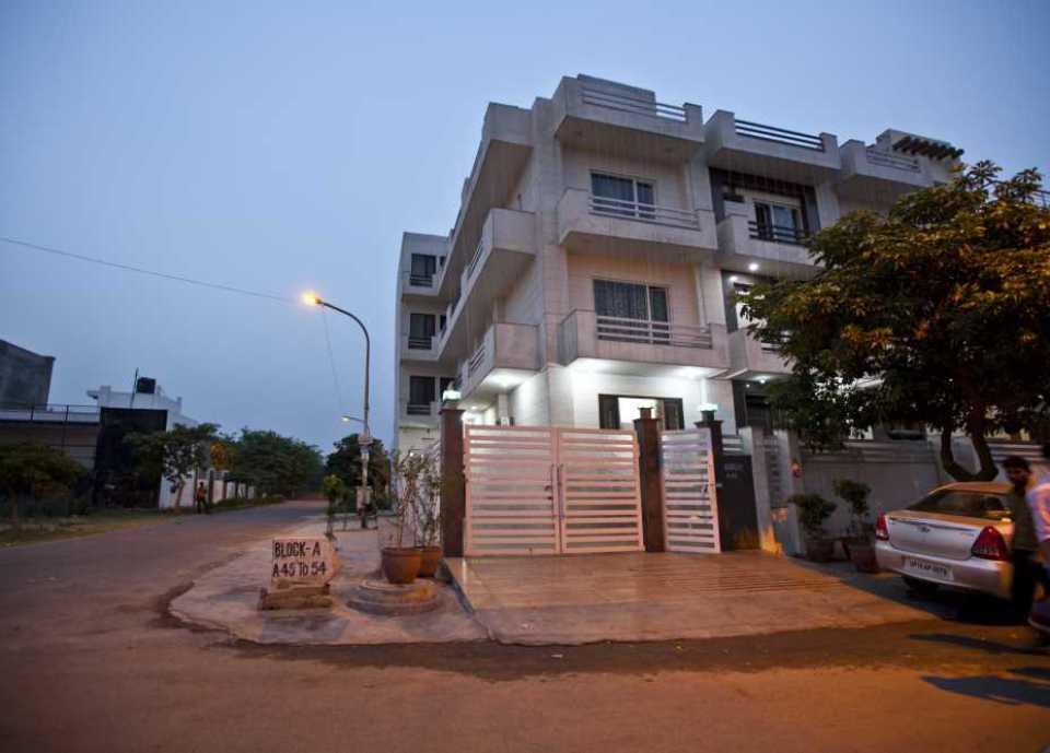 24 rooms near Noida City Center