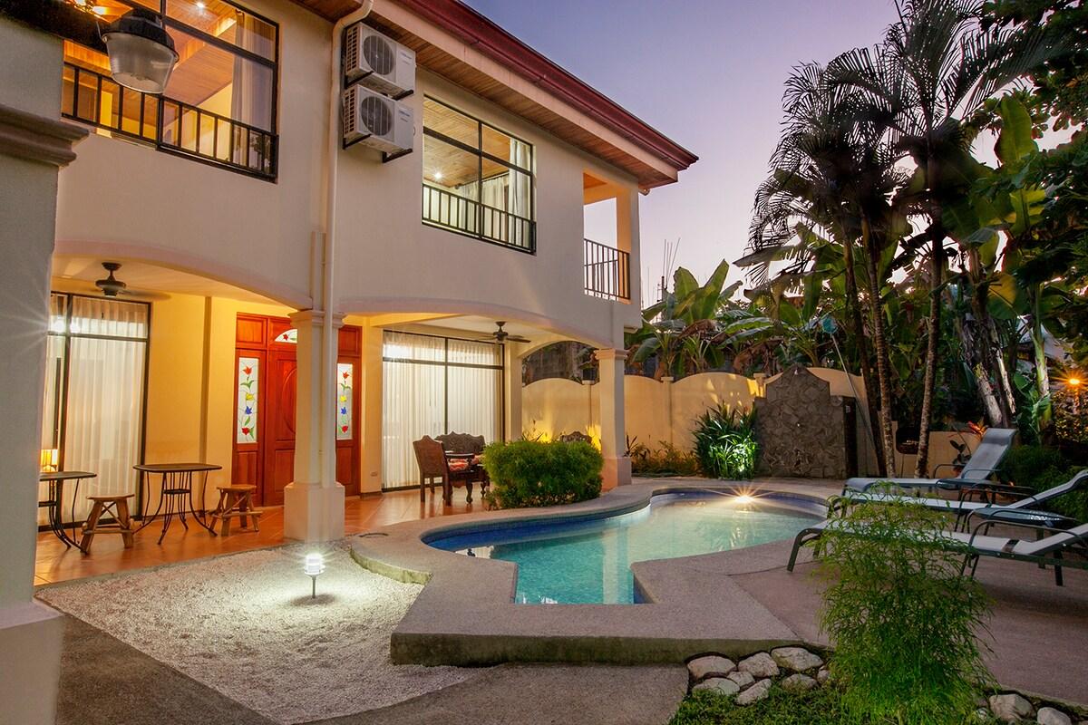 Playa Hermosa Villa w/ private pool