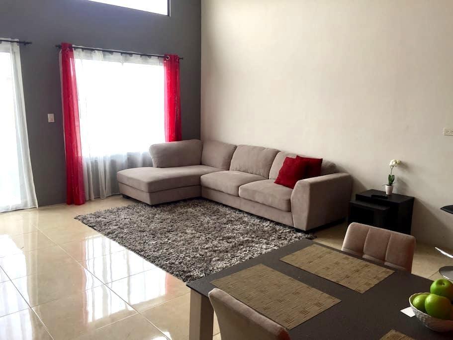 Bunkbed -Prvt room-2 mi SJO Airport - Alajuela - Apartamento