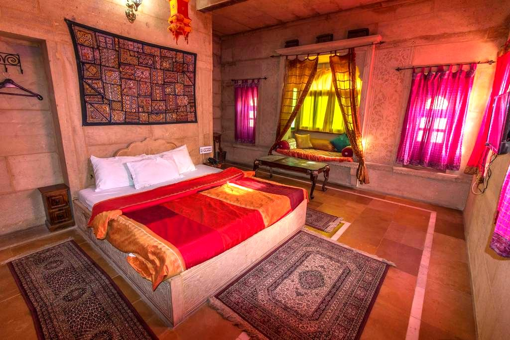 Backpacker Panda Jaisalmer Superior ACPrivate Room - Jaisalmer