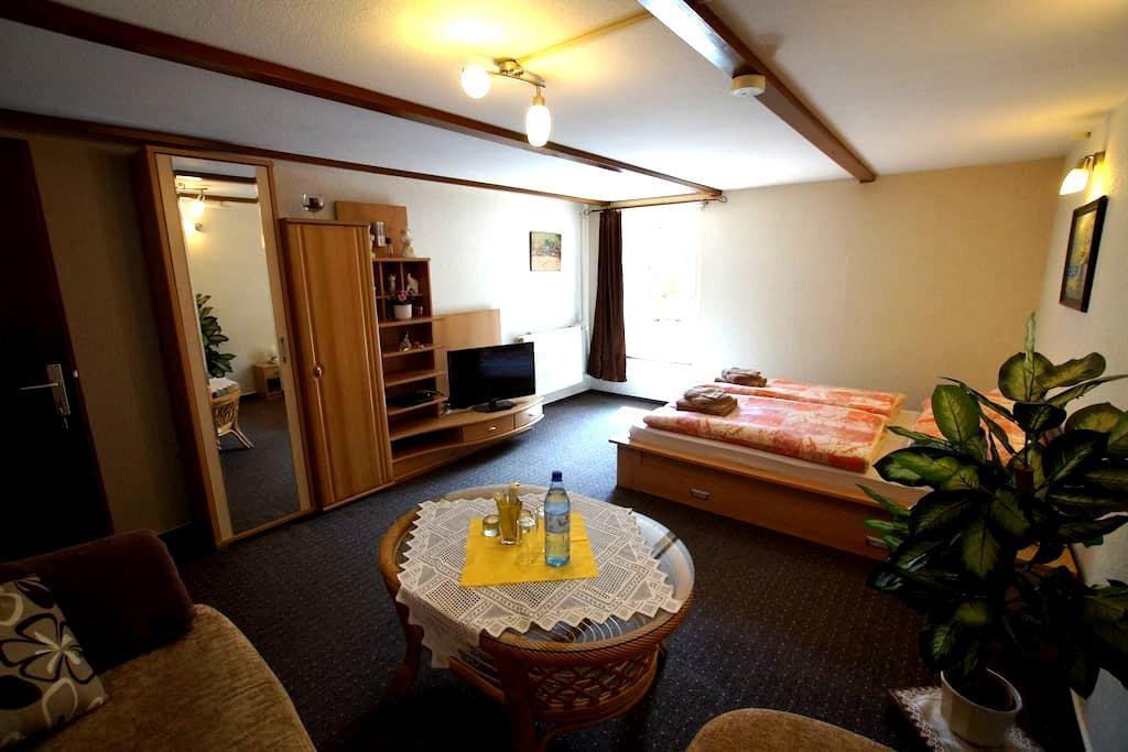 Zimmer, ländlich bei Bad Oldesloe - Pölitz - House