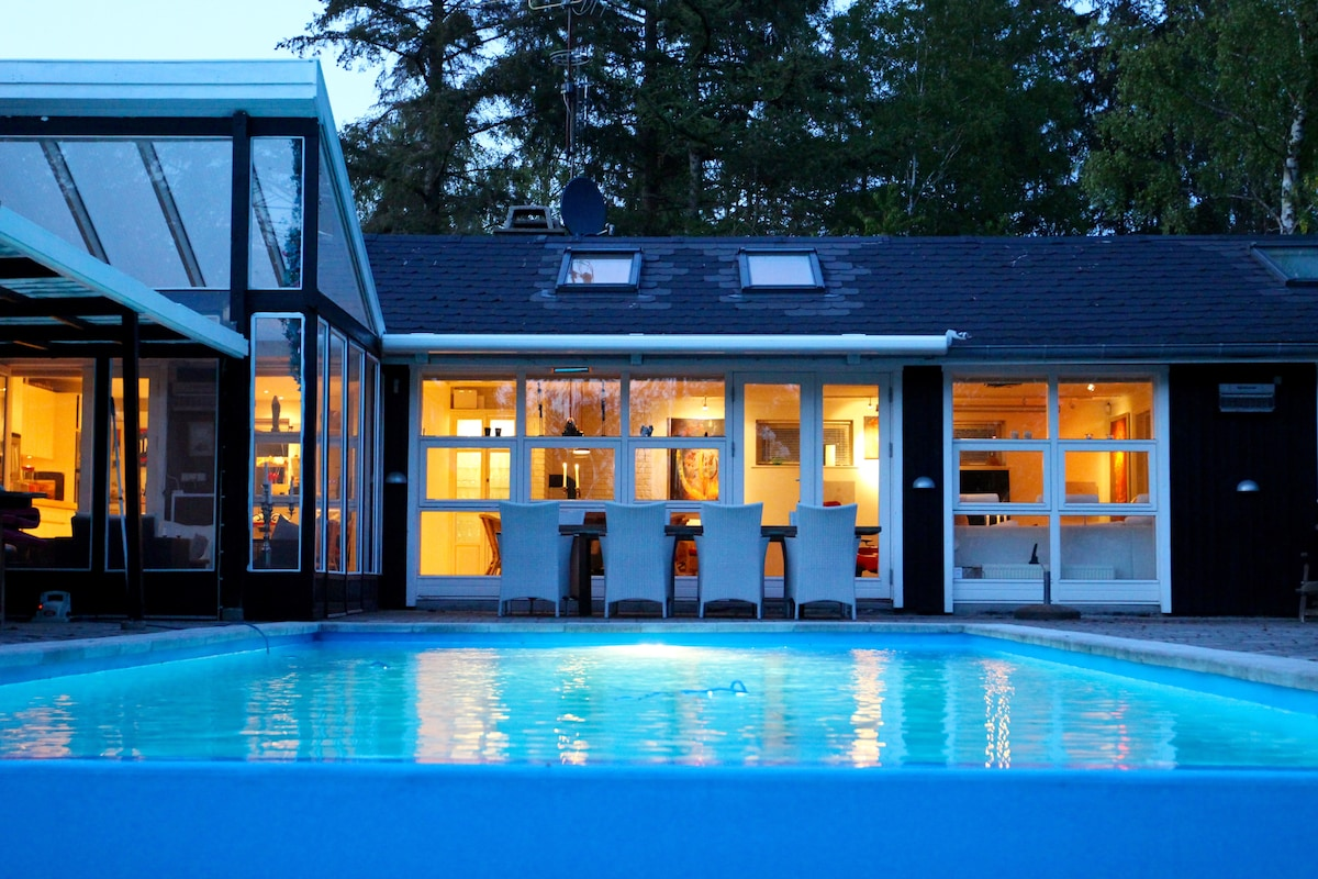 Summerhouse with heated pool