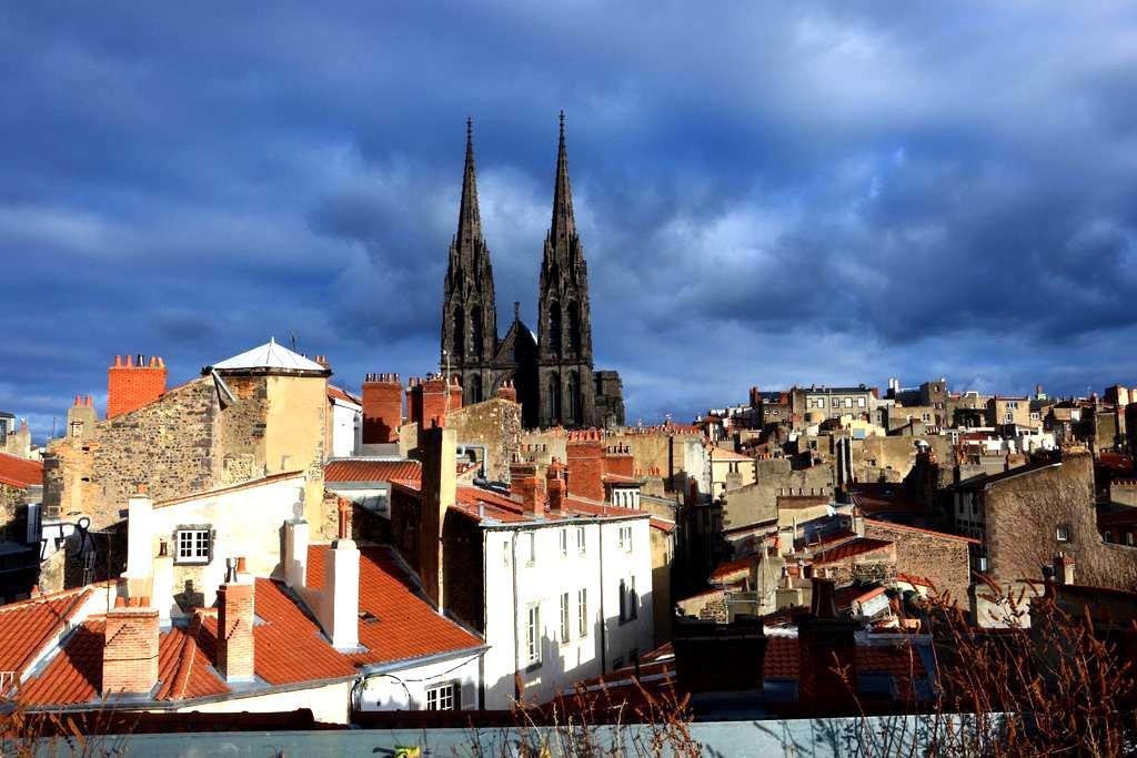 Terrasse de Jaude (4/5p) - Clermont-Ferrand - Pis