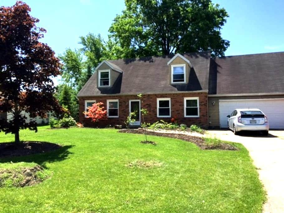 Honey's House- - Rootstown - Dom