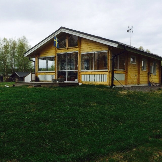 Smal house by the Luleå river