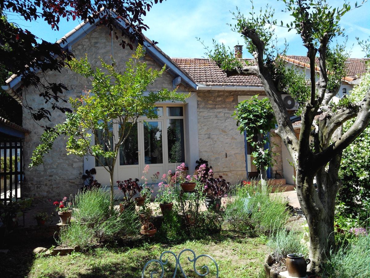 Maison d'artiste avec jardin
