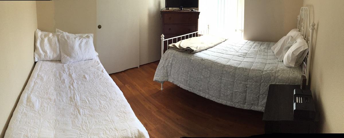 Private room in SJ house sleeps 3