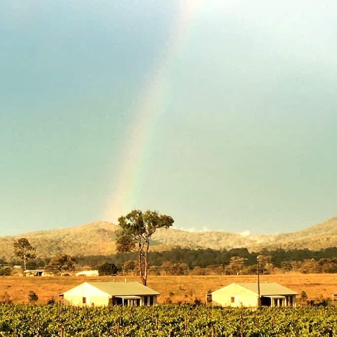2 bedroom/2 bathrm home located on vineyard.AIRCON - Peak Crossing - Villa