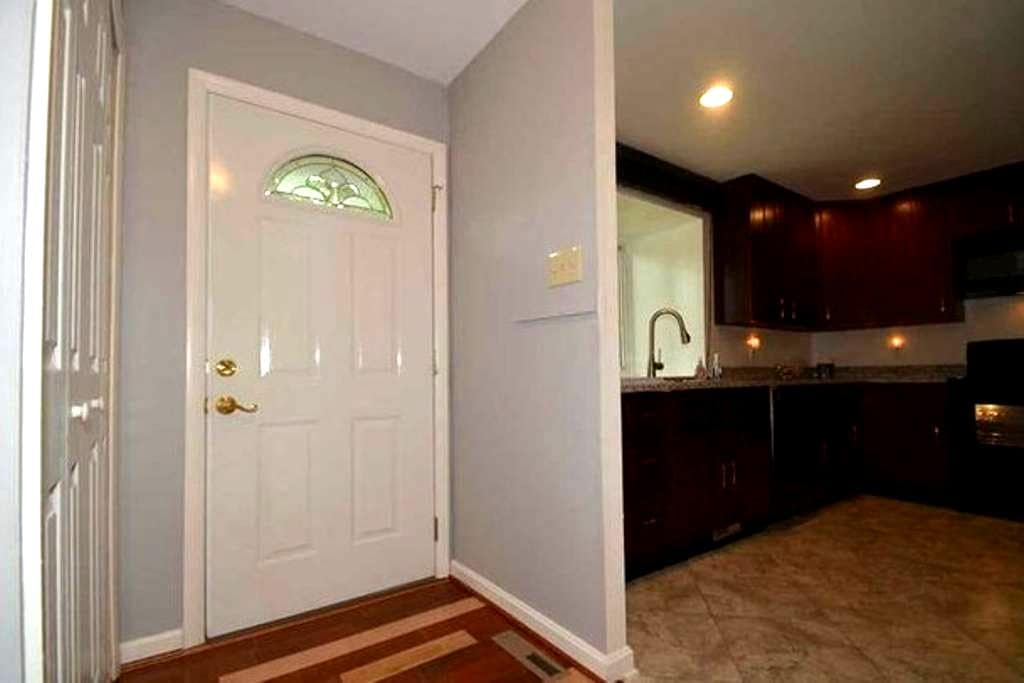 cozy room in a quiet neighborhood in Columbia MD - Columbia - Townhouse