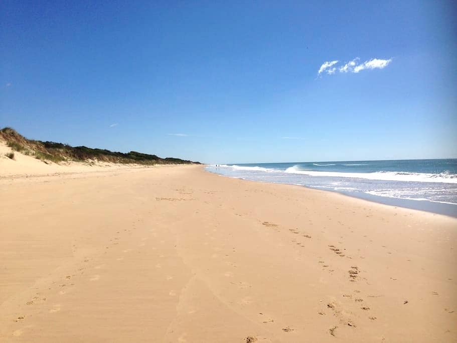 Relaxed, spacious 2 rooms B&B - Woodside Beach - Bed & Breakfast