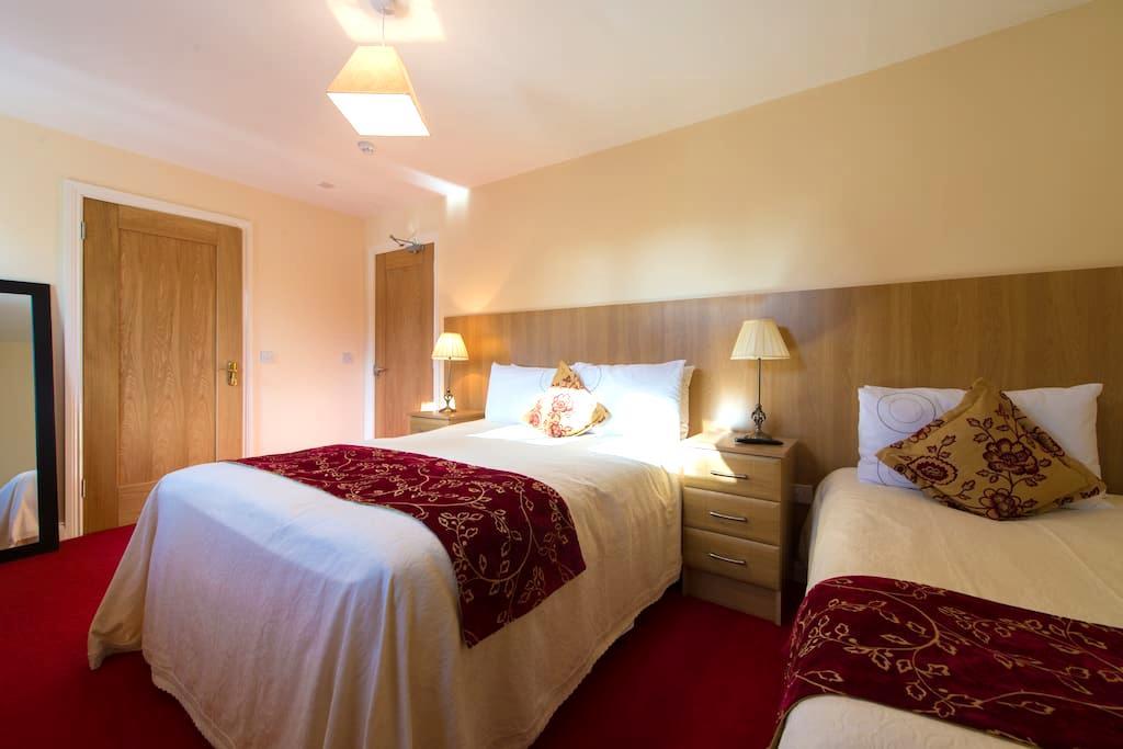 Aisleigh  Guest House - Carrick-On-Shannon