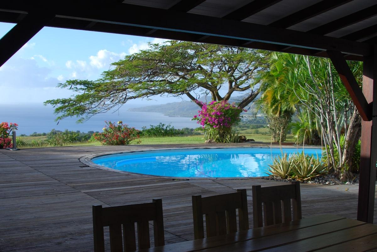 Chambre d'hôte piscine vue mer