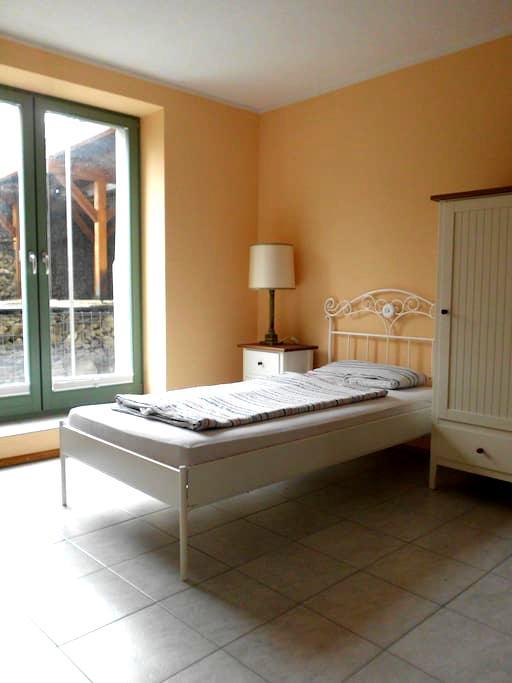 Gartenzimmer - Langebrück - Appartement