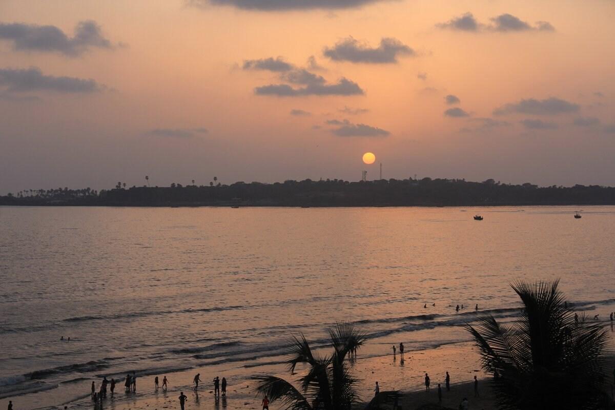 Sea facing  in Andheri West, Mumbai