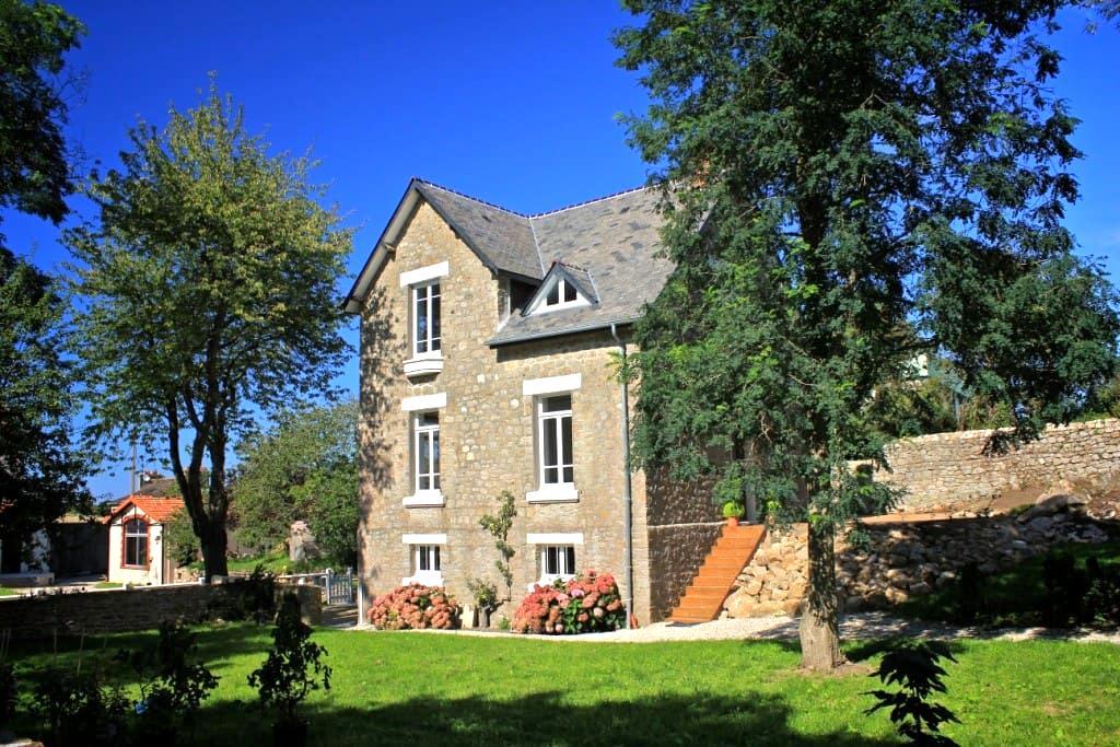 Villa de caractère près de Barfleur - Tocqueville - บ้าน