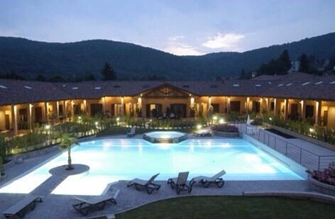 Lago Maggiore area room/row villa