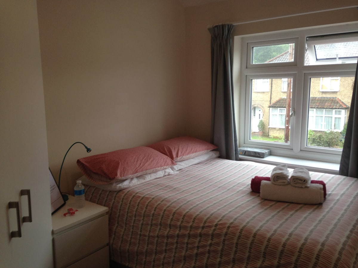 Double room in historic St Albans