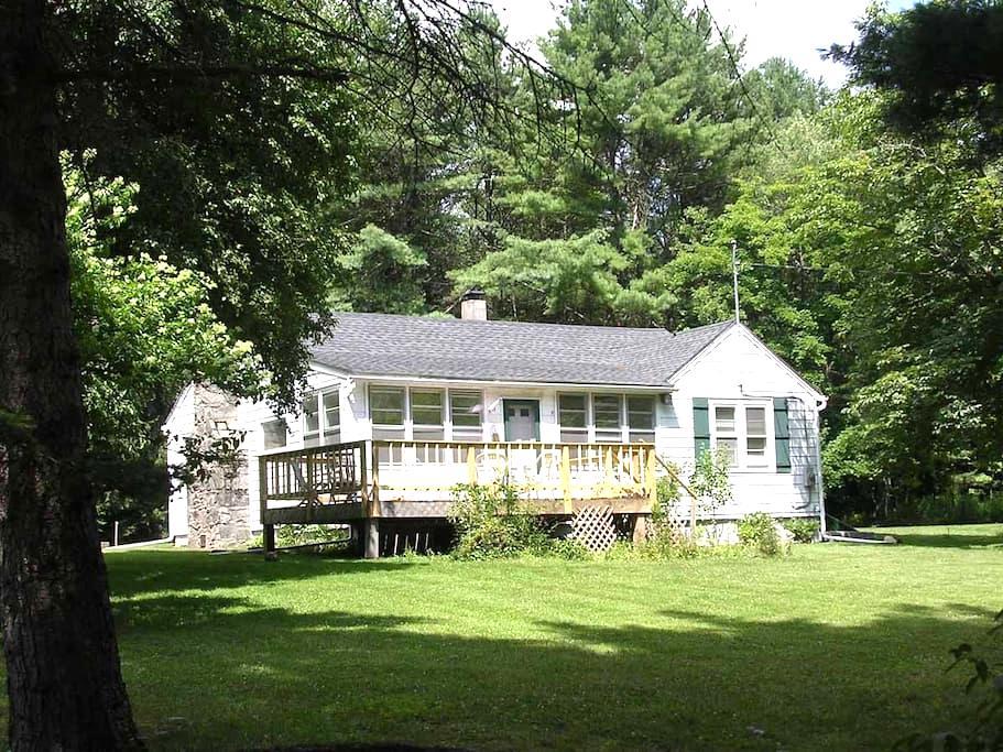 Sunny country home near Bethel Arts - Bethel