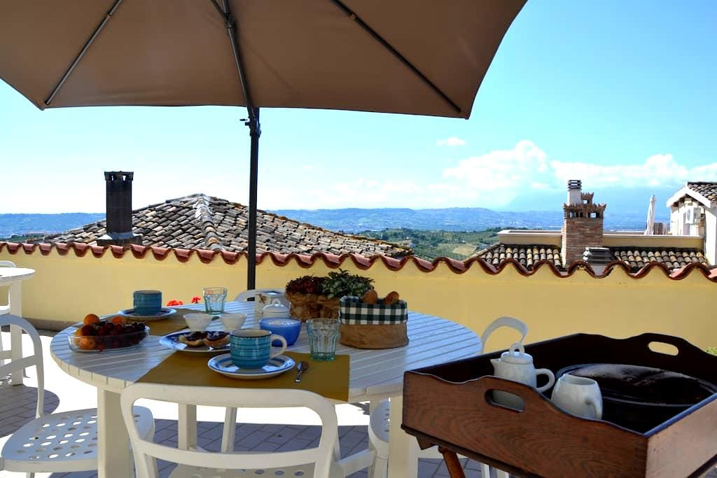 "B&B BellaVista bike-stop  ""Torre Orologio"" suite - Spoltore - Bed & Breakfast"