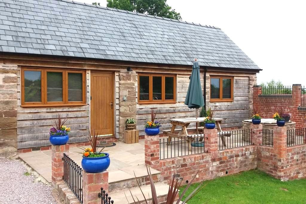 Cosy Stable (Self Catering) - Lugwardine - 獨棟
