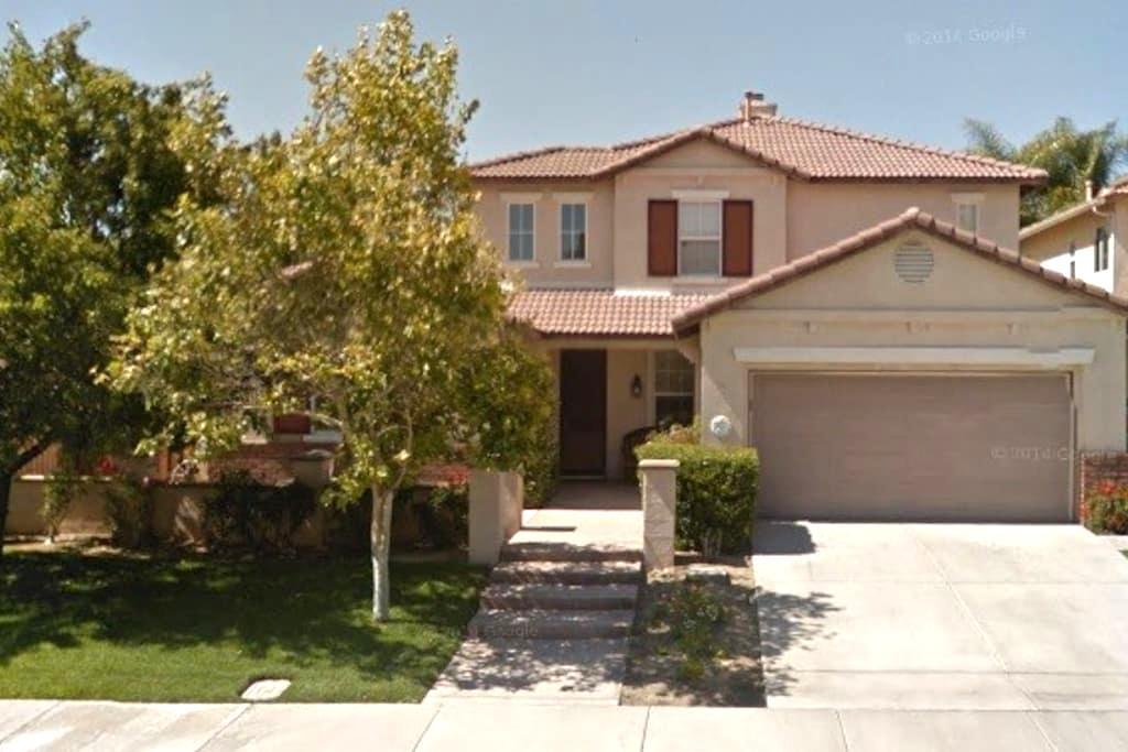Very nice home @ Beautiful Murrieta - Murrieta - House