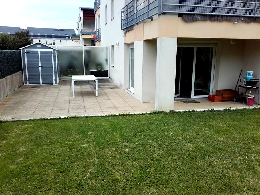 Appartement F2 en rez de jardin avec terrasse. - Bruz