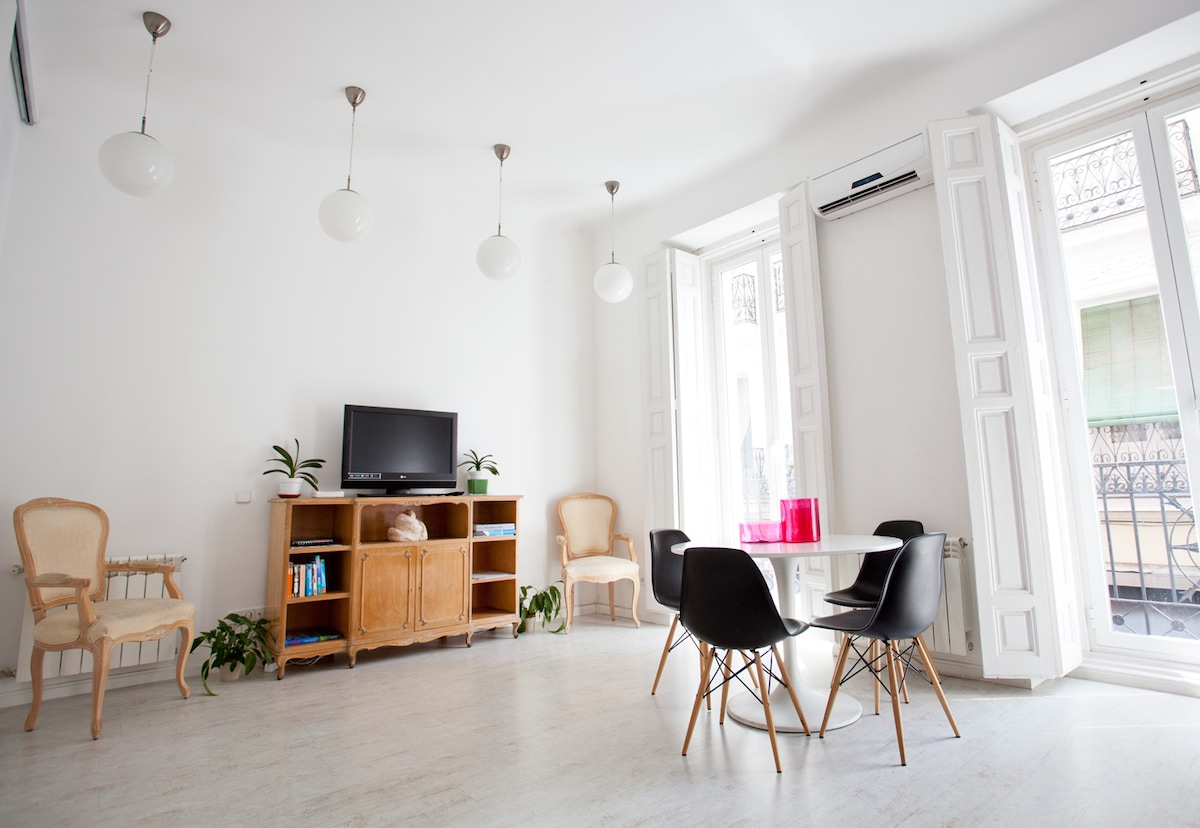 immaculate white loft 2br chueca 50mg fast wifi apartments for rent in madrid madrid spain