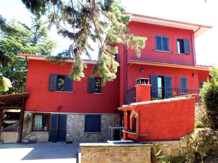 Affitto villa di 200 mq. - Vetralla - Villa