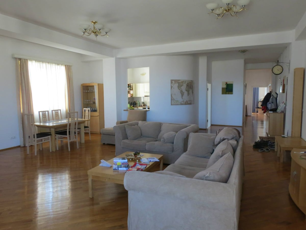 2 rooms - top spot, expat living!