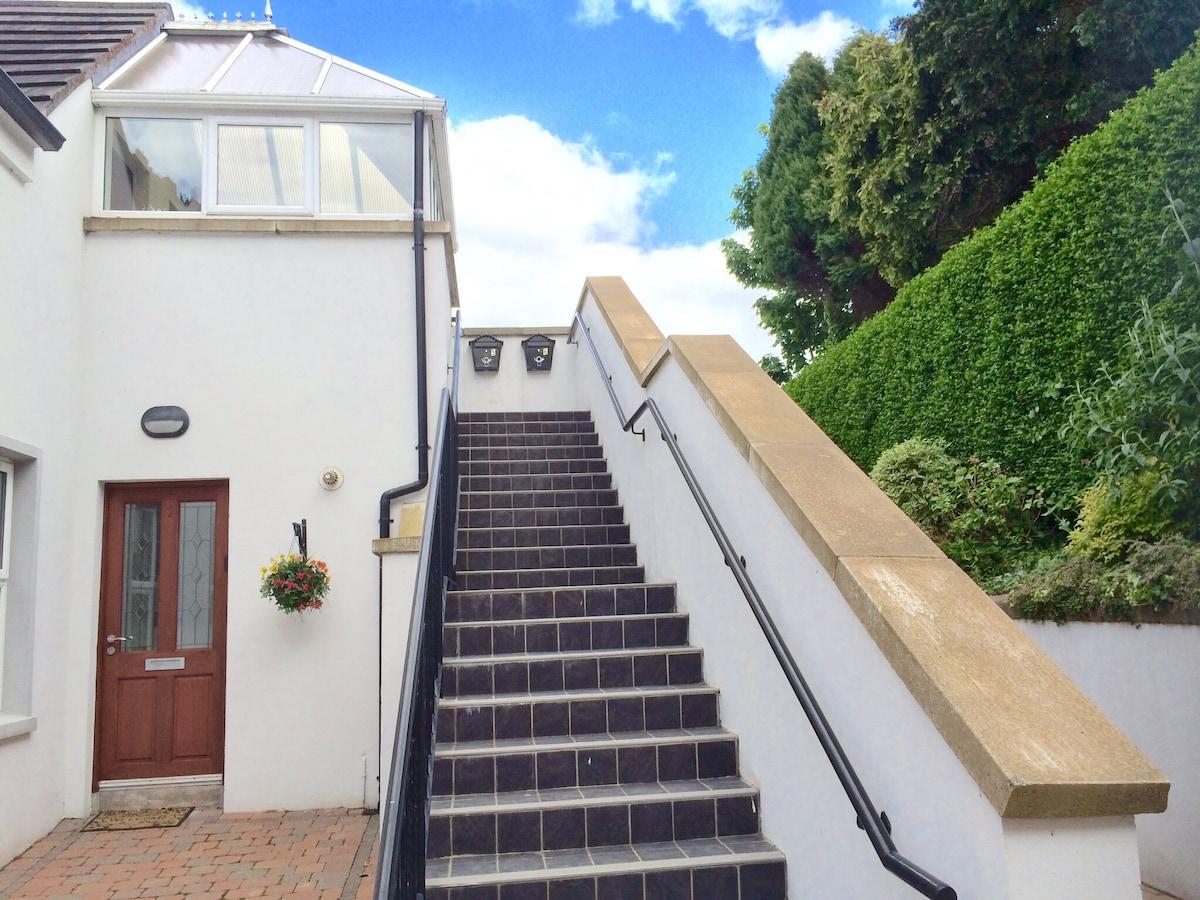 luxury 2-bed seaview apartment