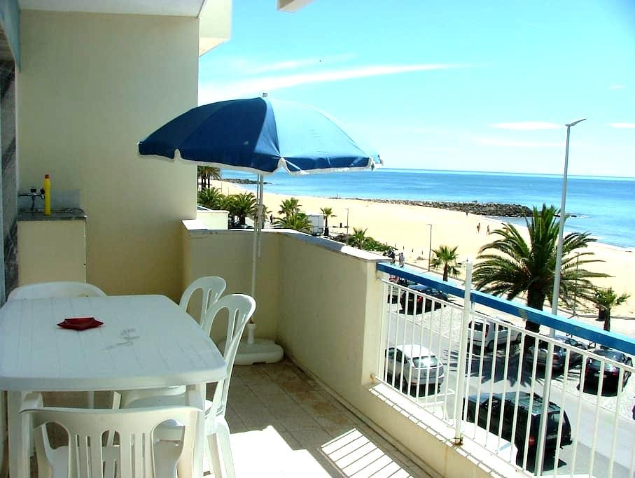 T1 for rent, sea front for holidays - Quarteira - 아파트
