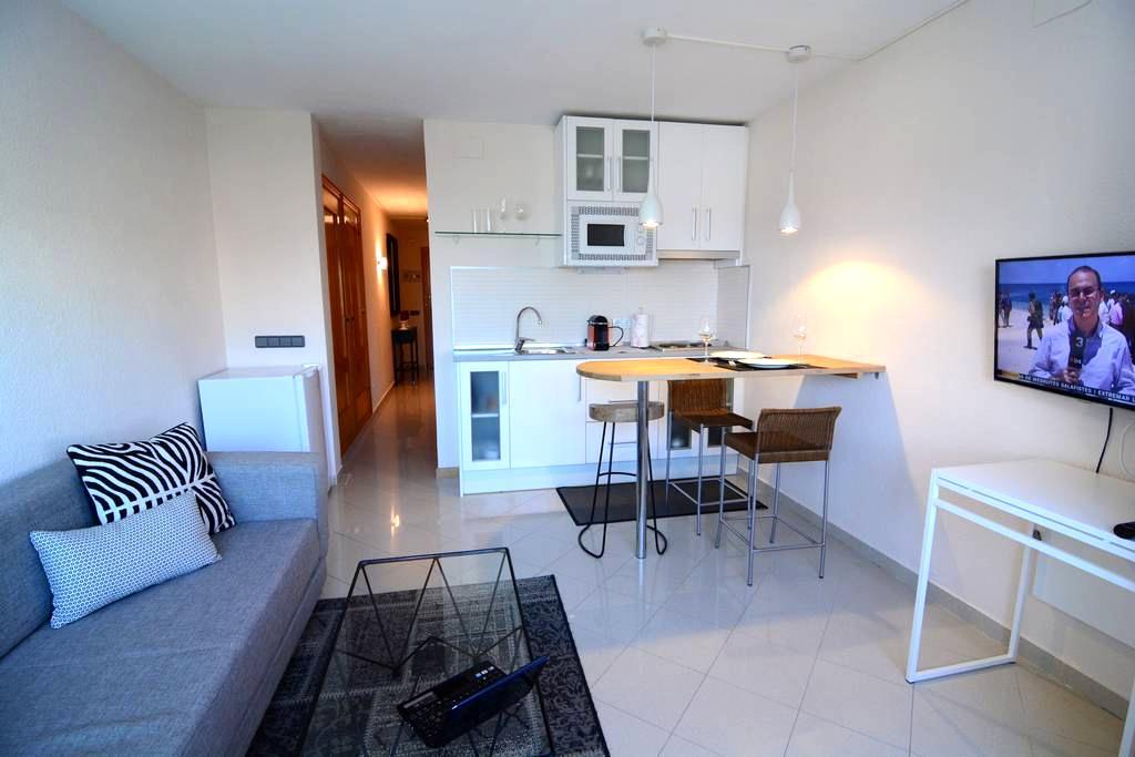 Apartamento en Sitges con picina y parquing - Sitges - Leilighet