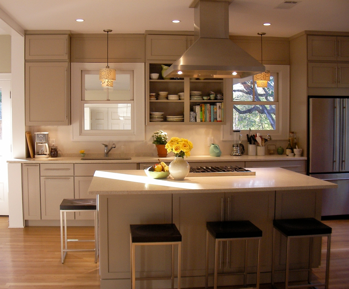 This chefs kitchen features a Viking range and all the other appliances needed for preparing a great meal after long day at conference. The large island seats four - great for socializing