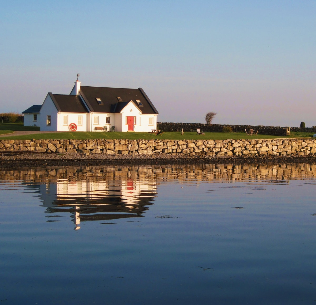 Cottage on Galway Bay B&B  Kinvara