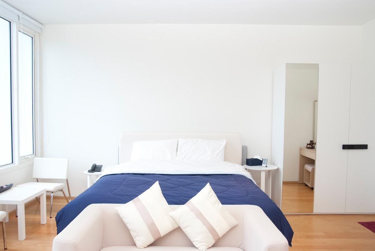 Comfy Studio Apartment near Siam =)
