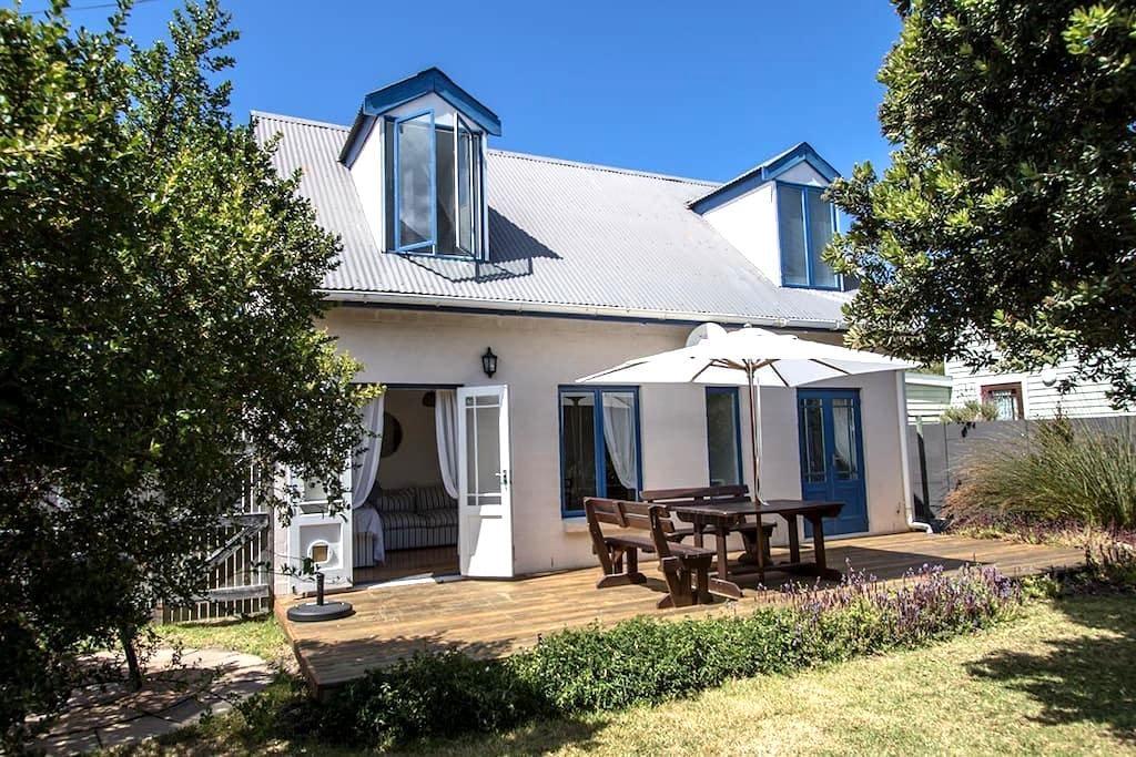 Rustic, romantic Kommetjie cottage - Cidade do Cabo - Casa