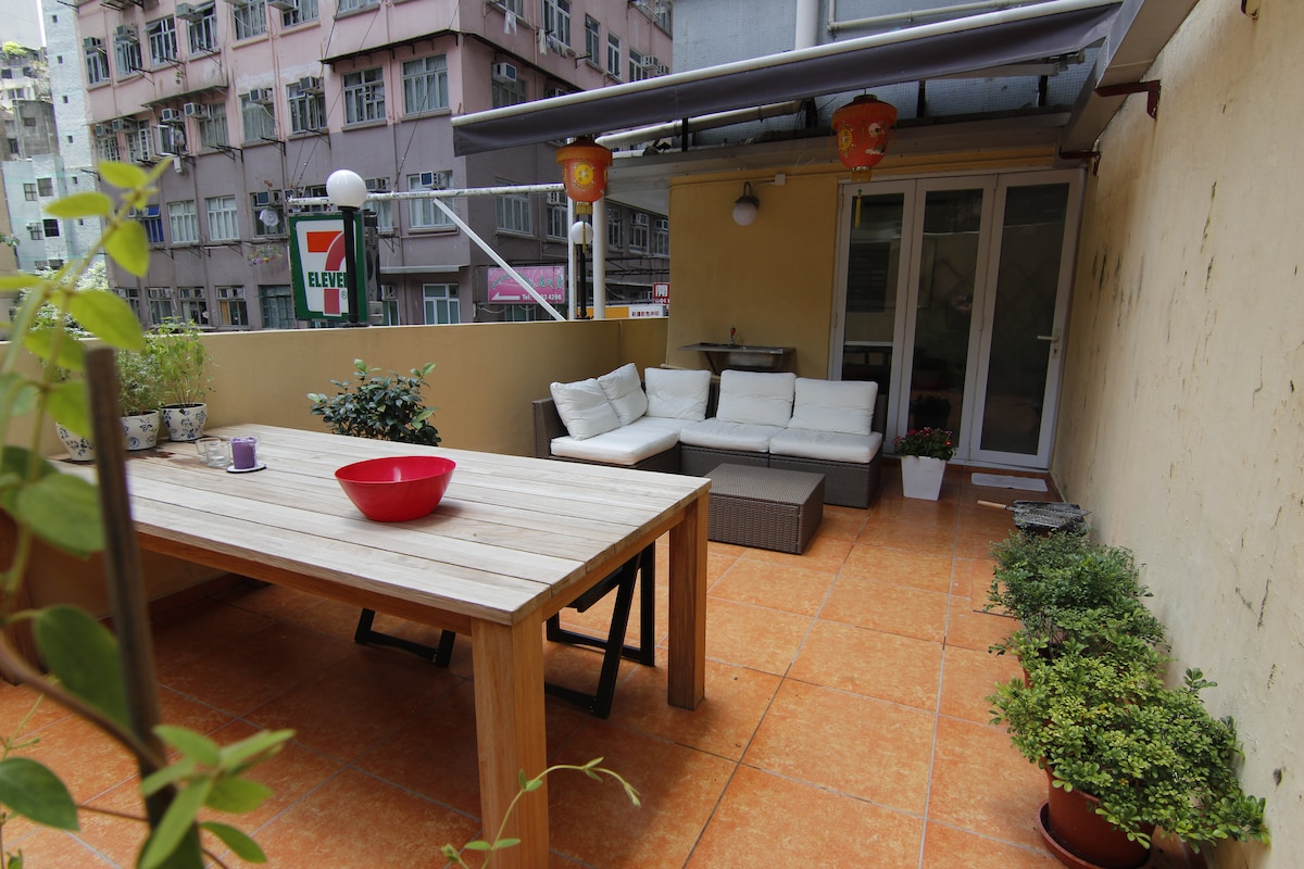 Apartment with terrace in Wan Chai