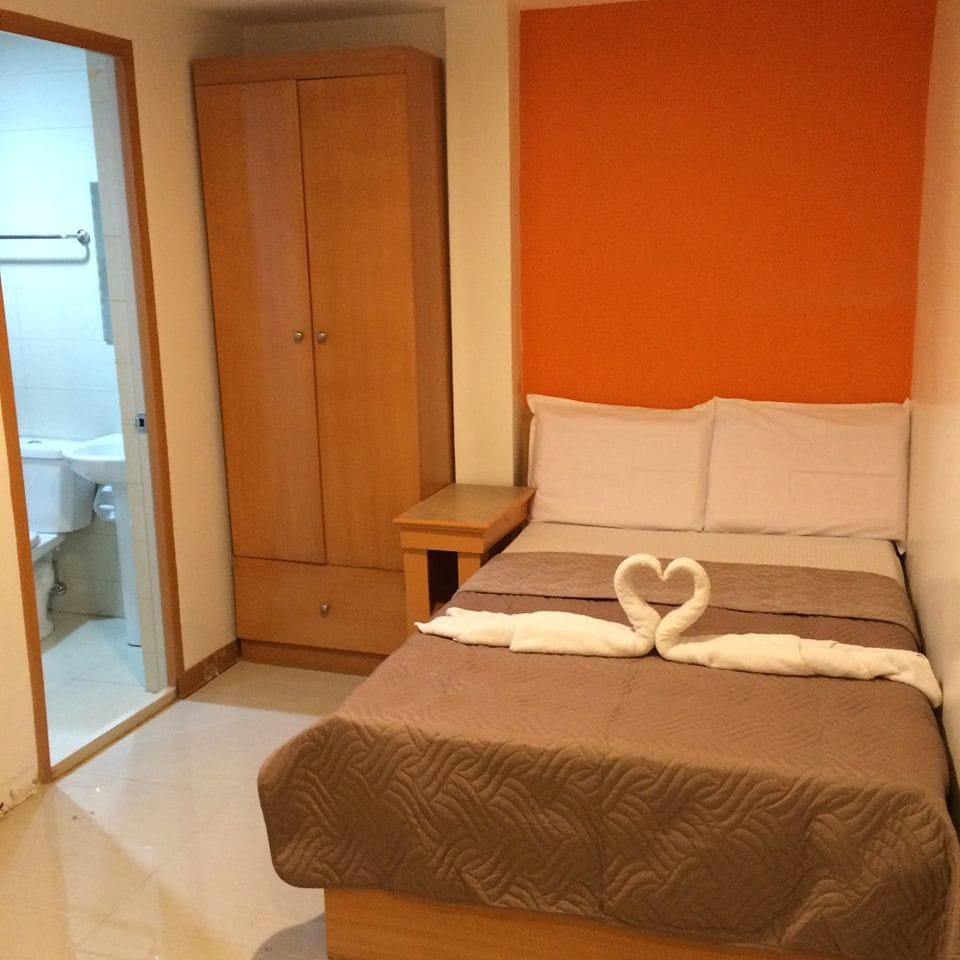 Cozy Deluxe Room- near the airport