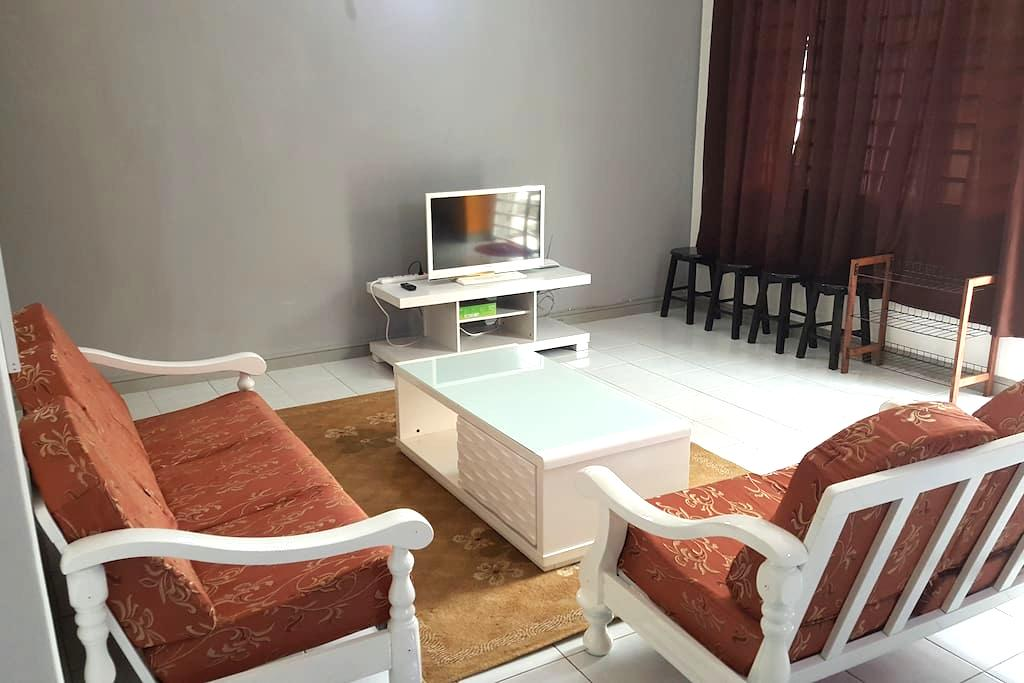 Anjung KLIA Apartment & Breakfast No One - Banting - Apartamento