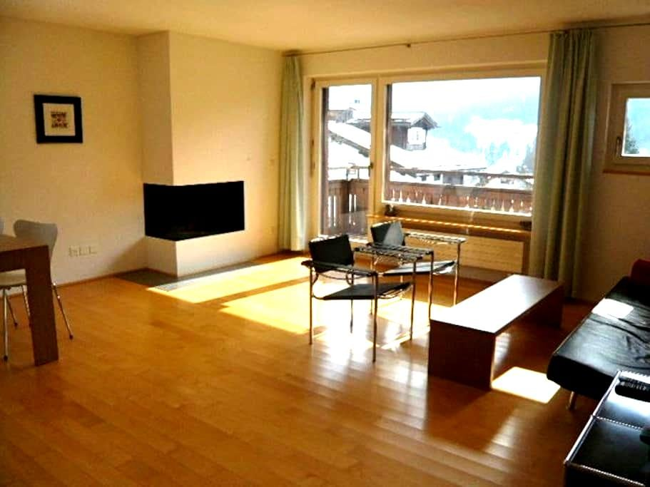 Luxary spacious 3 room apartment on sunny hillside - Klosters-Serneus - Apartamento
