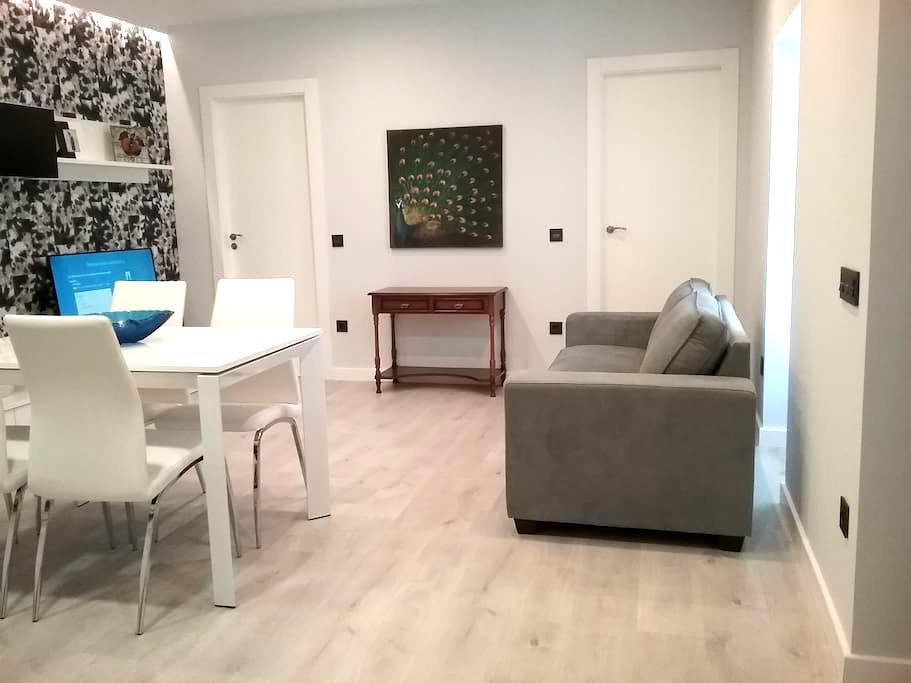 Preciosa Casa Nueva a Estrenar en el Centro Urbano - Fermoselle - Casa