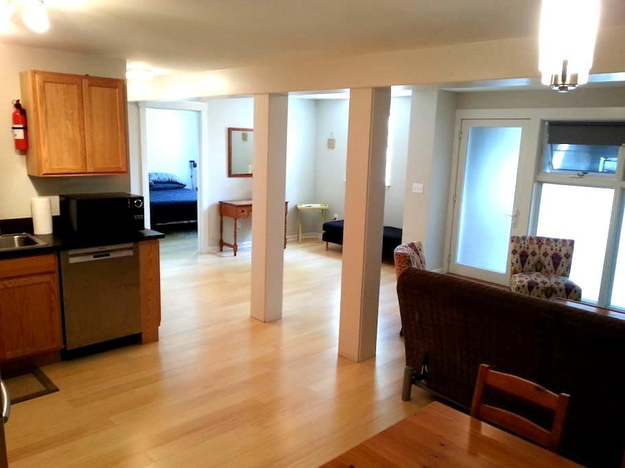 Stylish Downtown 1BD Furnished Apt - Olympia - Daire