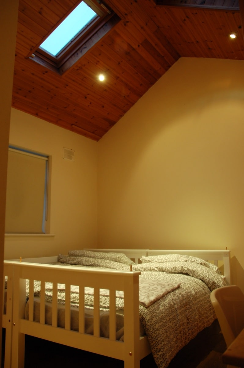1 bed available for a girl en suite