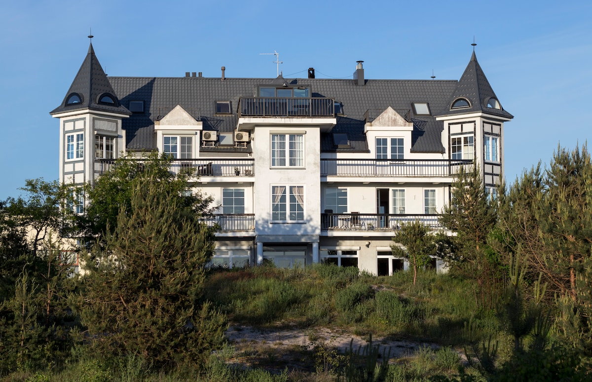 An apartment next to the sea